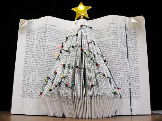 holiday-tree-book-art